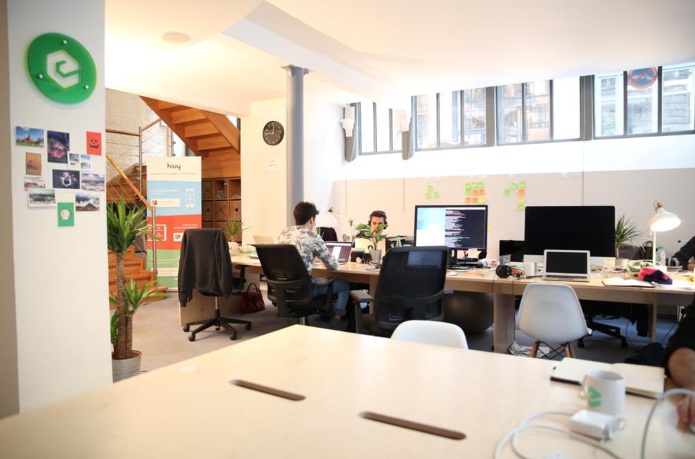 dans les bureaux d 39 efounders paris welcome to the jungle. Black Bedroom Furniture Sets. Home Design Ideas