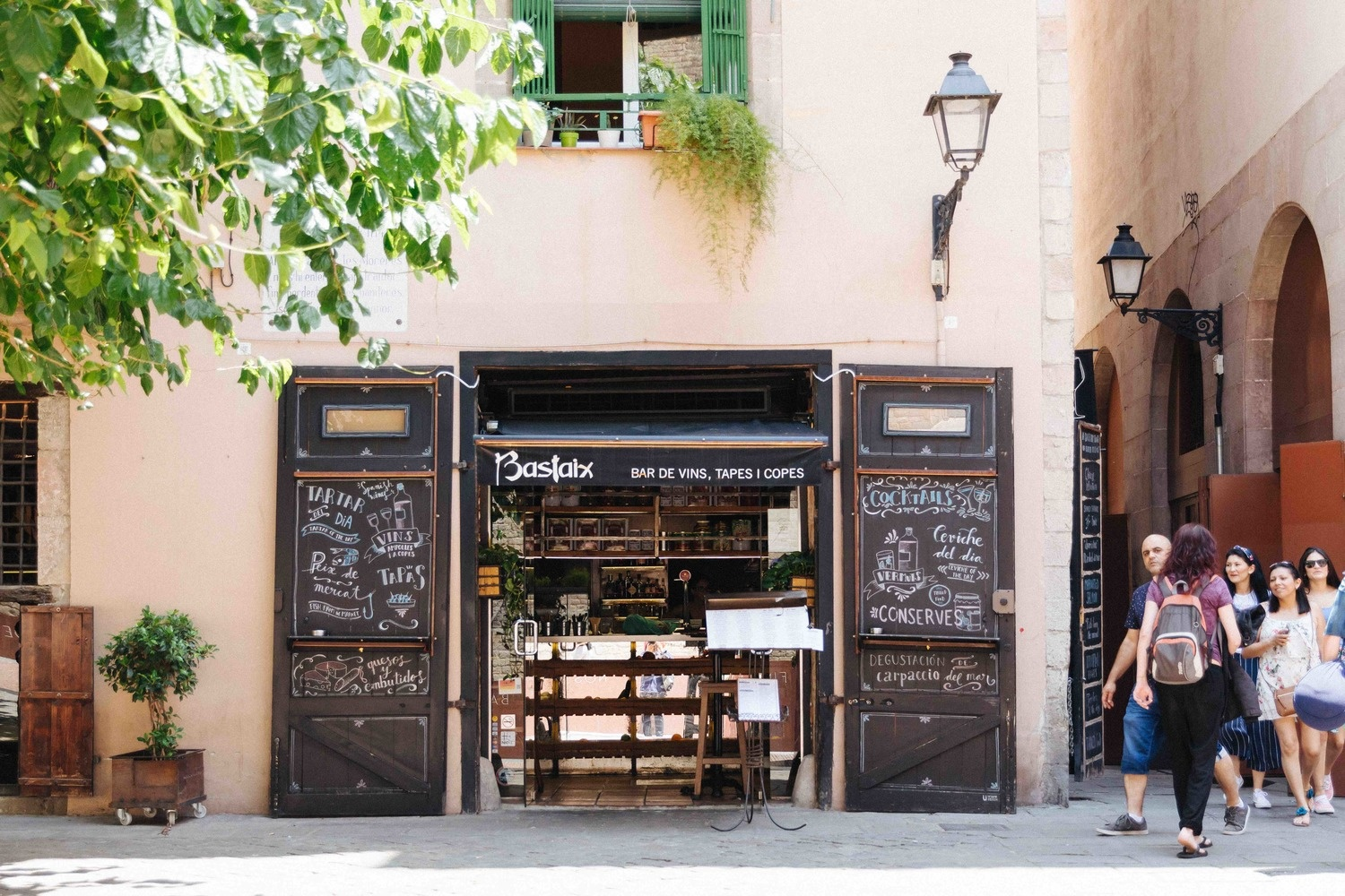 What to know when working in Food and Beverage in Barcelona?
