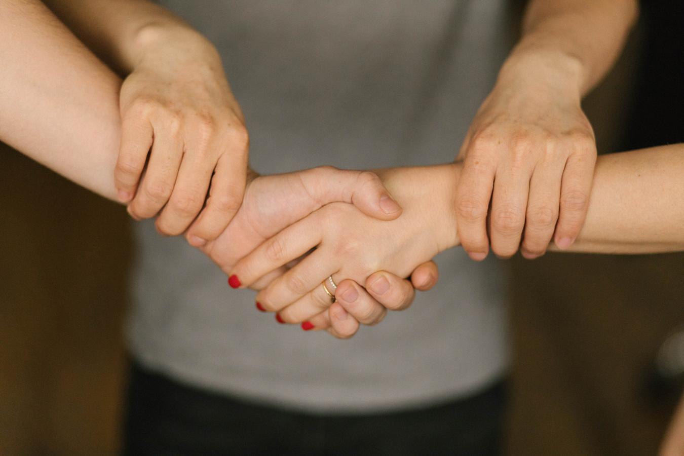 Avantages et inconvénients de la rencontre d'un ami