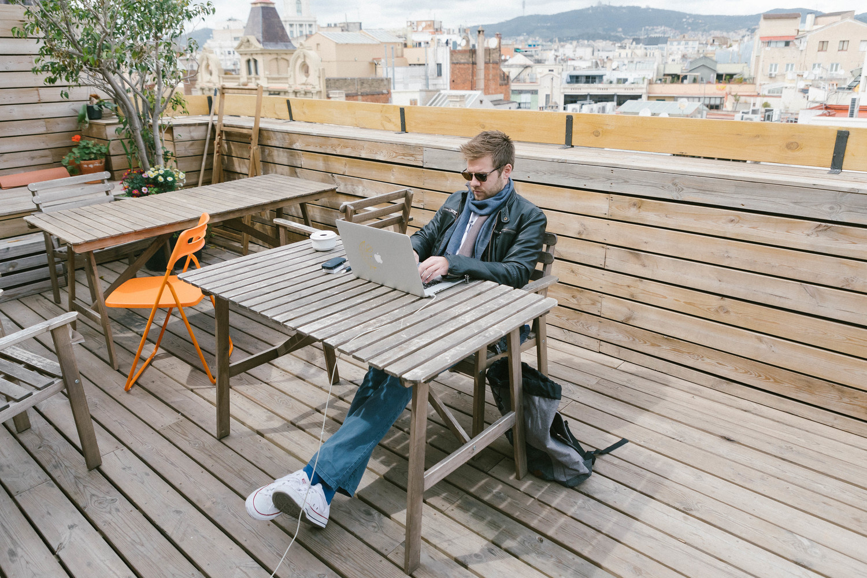 Consultant freelance ou salarié : que choisir ?