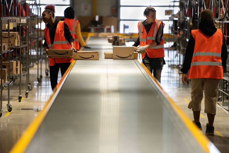 Rasismus ve velkých firmách: Zaměstnanci Amazonu se ozývají