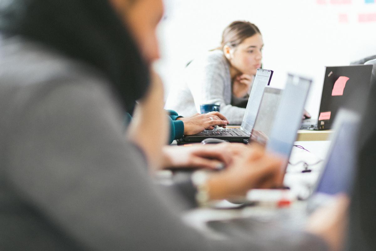 Devenir développeuse : des communautés qui aident les femmes