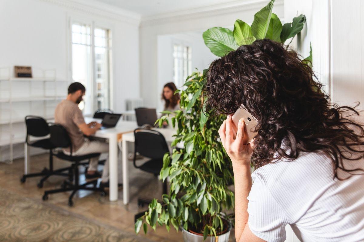 Cómo buscar trabajo mientras trabajas para otra empresa