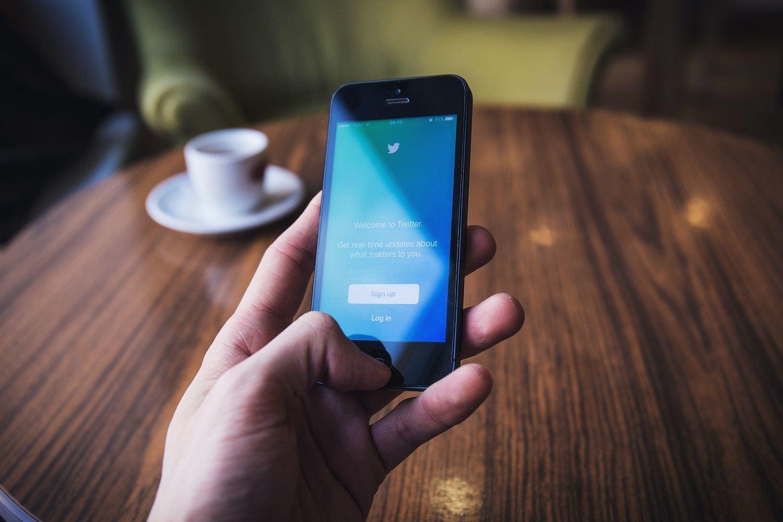 Twitter : réseau social pour financiers curieux