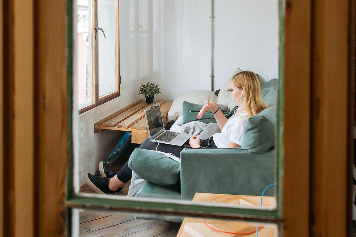 ¿Cómo preparar una entrevista en vídeo?