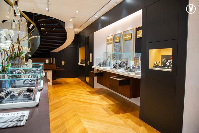 Galeries Lafayette Royal Quartz Paris - Branche Horlogère du groupe Galeries Lafayette