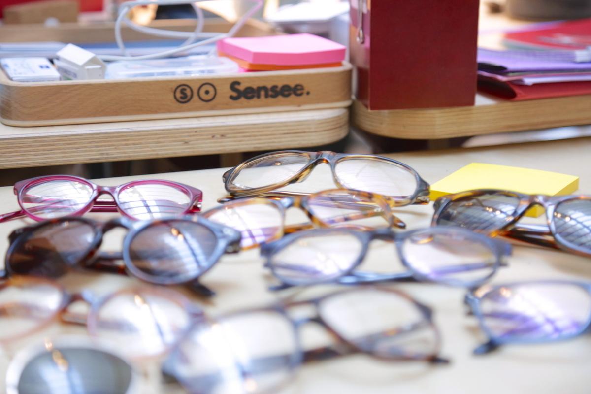 cd349f2892 ... l'achat des lunettes : on peut venir sur un coup de tête, entre deux  courses, quant à son prix, il vous passerait presque l'envie de prévenir  votre ...