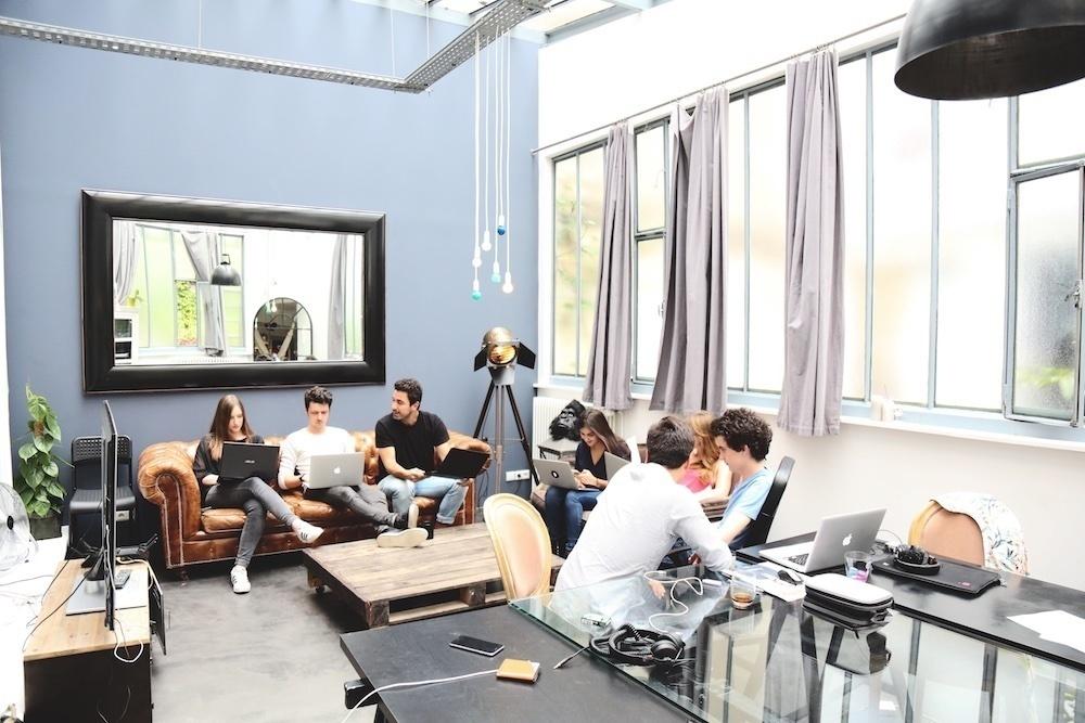 Chez officeriders la startup de location de bureaux uniques