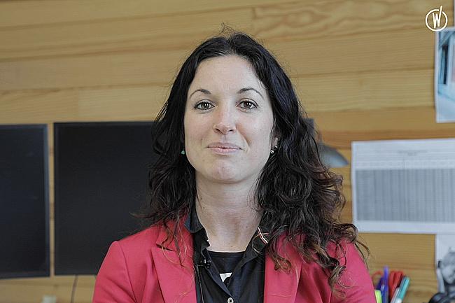 Rencontrez Julie, Responsable des Ressources Humaines - Groupe ADENES