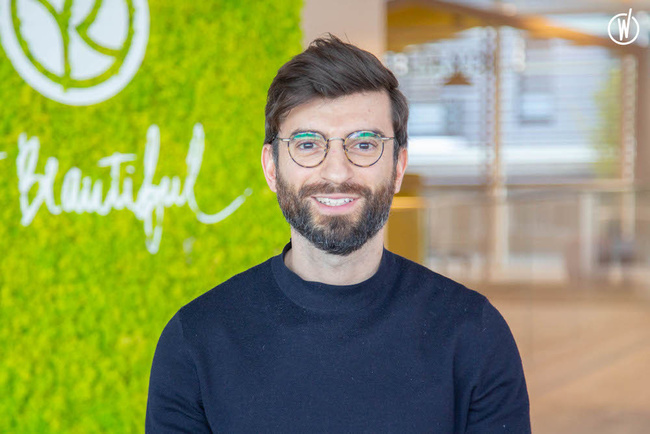 Meet Jimmy, International Marketing Product manager - Yves Rocher