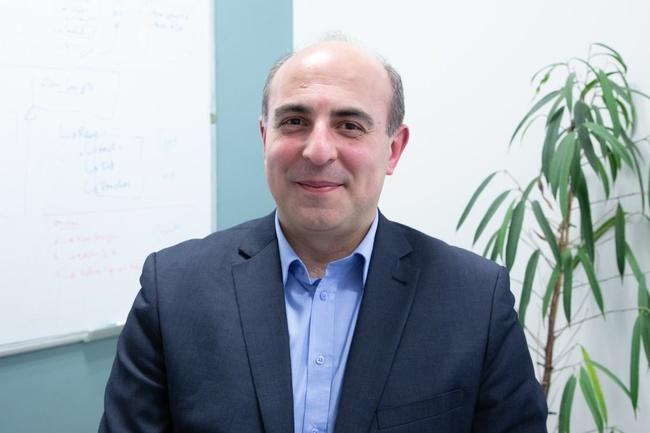 Rencontrez Solobdan, Directeur Commercial