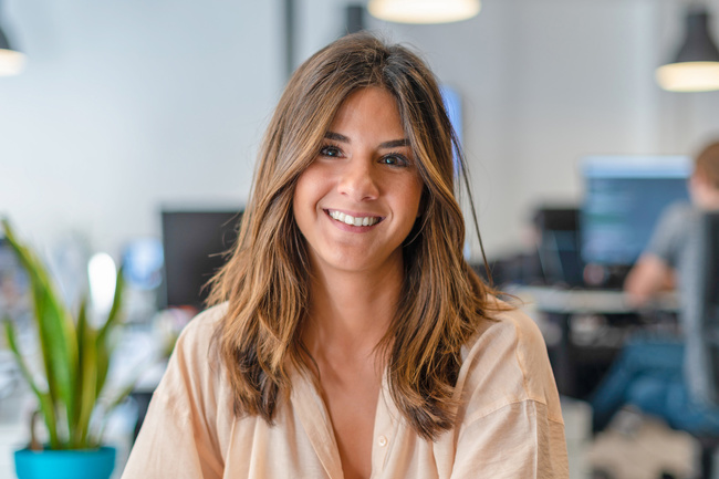 Meet Yasmin, Office Manager - Sqreen