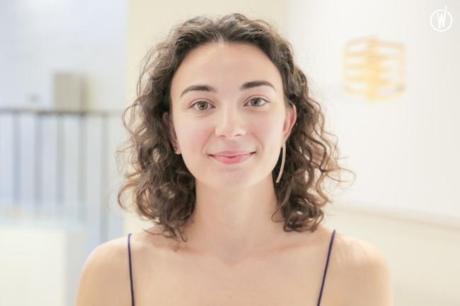 Rencontrez Eva, Responsable communication et image - JEM Jewellery Ethically Minded