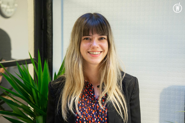 Rencontrez Fany, Directrice Artistique Identité Visuelle - Intangibles Assets Design