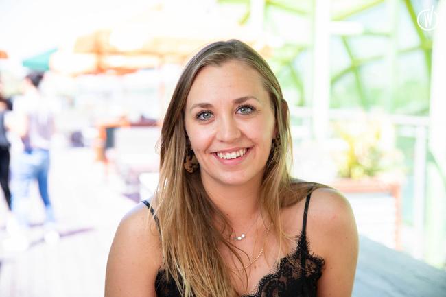 Meet Julie, Duty Manager - Groupe Café Oz