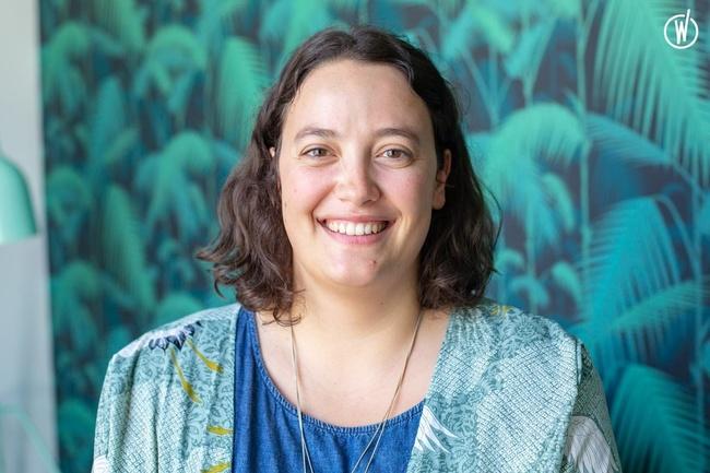 Rencontrez Ariane, Consultante Senior - Hopscotch PR - Hopscotch Groupe