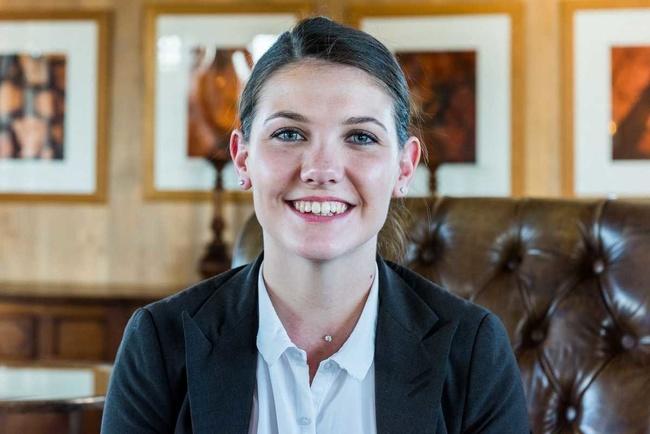 Rencontrez Laurianne, Chef de rang au restaurant 2 étoiles La Grand'Vigne - Les Sources de Caudalie
