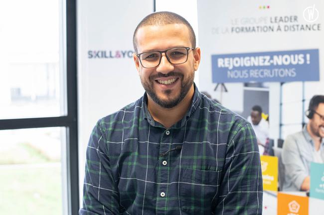 Rencontrez Hakim, Animateur Equipe de Ventes - Skill and You