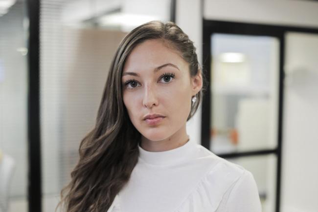 Rencontrez Nancy, Ingénieur Commercial Grand Compte