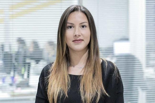 Rencontrez Hanen, Chargée de publicité commerciale - MEDIAS FRANCE