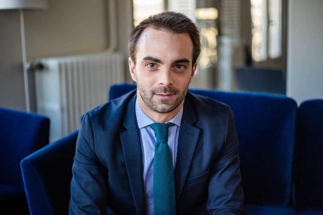 Rencontrez Etienne, Consultant Senior - CELENCIA