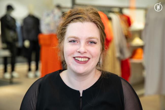 Rencontrez Manon, Visual Merchandiser - COS