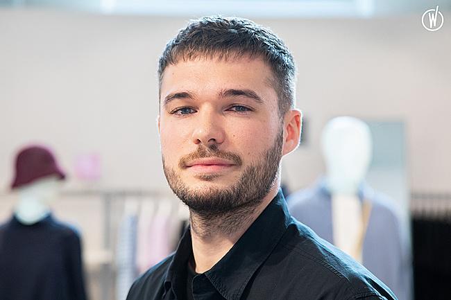 Rencontrez Jordan, Sales Advisor  - COS