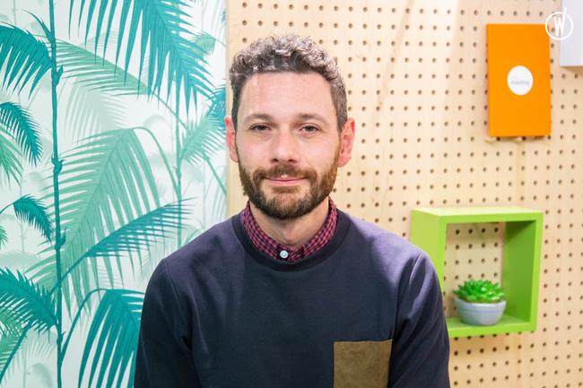 Rencontrez Alessandro, Directeur des études, du marketing publicitaire et des Opérations Spéciales - Uni-médias