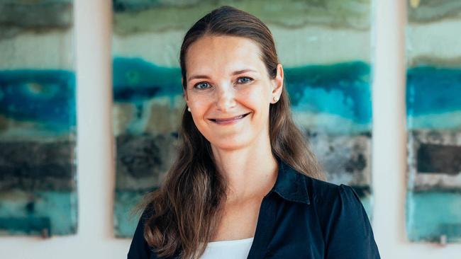 Ivana Soboličová, Tax Manager