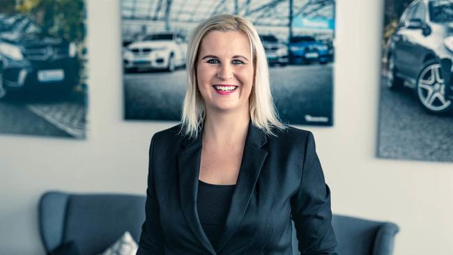 Martina Gasmi, Regionální manažerka finančních služeb