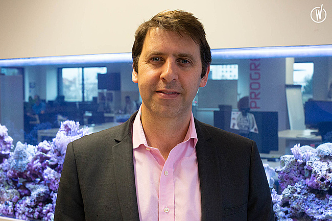 Meet Julien, Chief Executive Officer - LINKBYNET