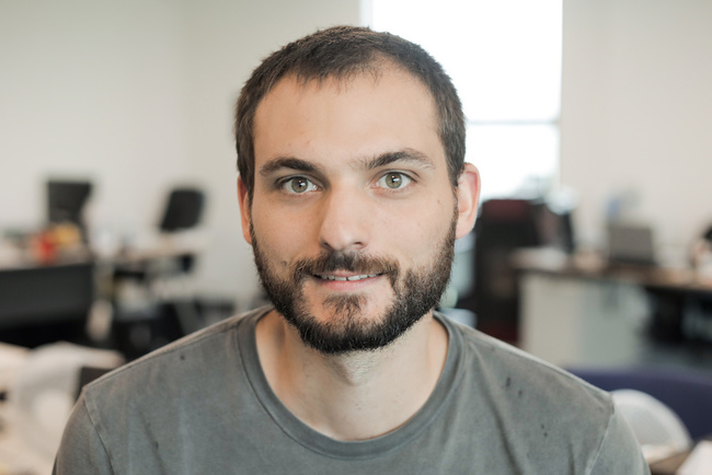 Rencontrez Victor, The Automation Maker - PAZZI