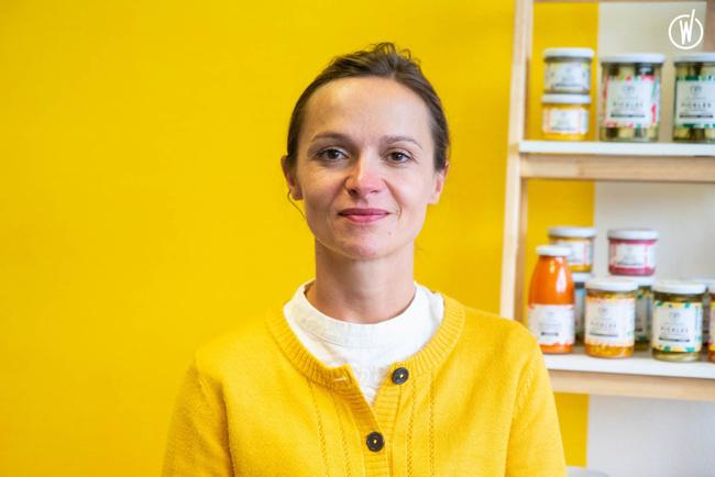 Rencontrez Elodie , Co-fondatrice et responsable communication - LES 3 CHOUETTES