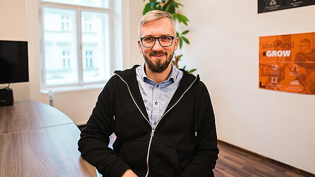 Adam Kurzok, CEO - EXPANDO