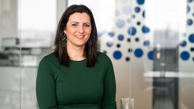 Theodora Drakopoulou, Accountant