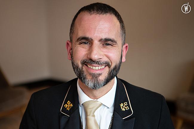 Rencontrez Manuel, Chef Concierge - HOTEL DU COLLECTIONNEUR