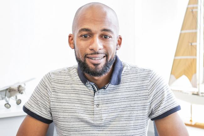Rencontrez Omar, Consultant en voyages d'affaires - FREQUENT FLYER TRAVEL PARIS