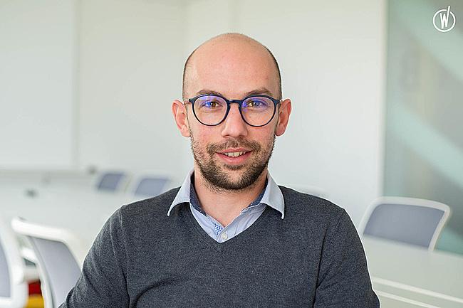 Rencontrez Joël, Directeur des Achats Groupe - Groupe Synerlab