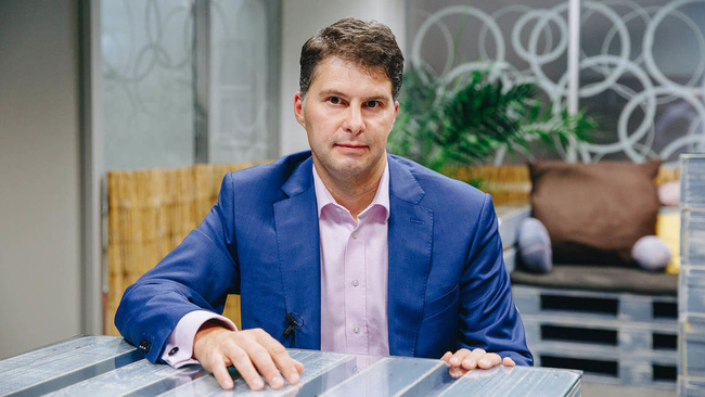 Tomáš Holomoucký, Ředitel