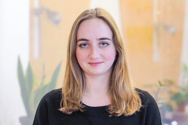 Rencontrez Chloé, Chef de projet - Blockchain Partner